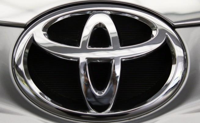 """""""Тойота"""" изтегля половин милион коли от Северна Америка"""
