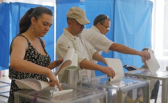 1200 международни наблюдатели на изборите в Украйна