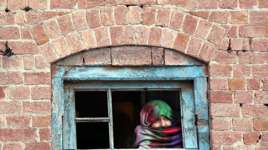 Загадъчни атаки с киселина срещу жени в Пакистан
