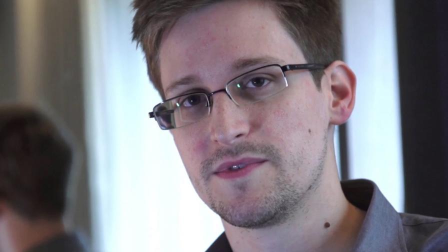Сноудън: Аз съм шпионин, не просто системен администратор