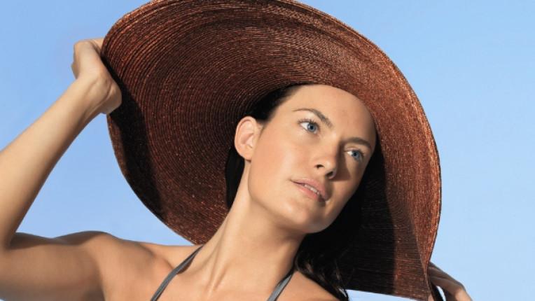 жена шапка bioderma