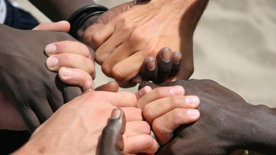 Икономическата криза прави хората по-големи расисти