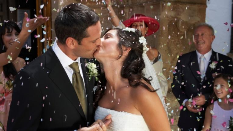 сватба изневяра брак младоженци кум знаменитост флирт