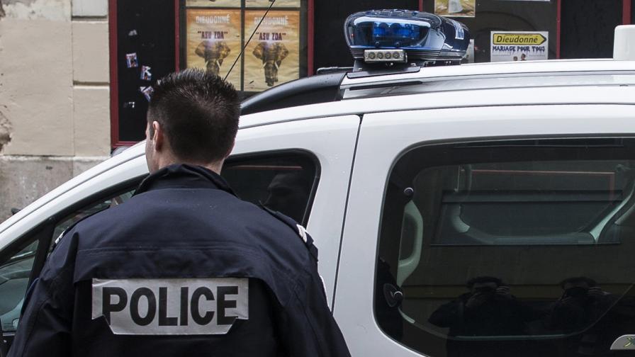 Полицаи и стачкуващи от железниците влязоха в сблъсъци в Париж