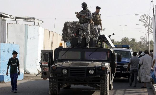 Въоръжени лица отвлякоха 100 души от пазар в селище южно от Багдад