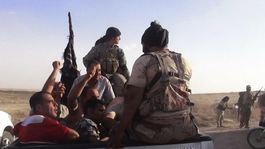 Джихадисти избиха 90 души край газово находище в Сирия