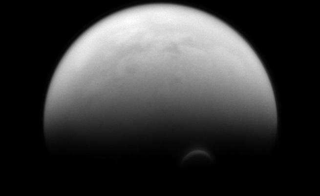 Разкриха солената тайна на Титан