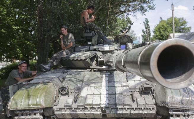 Украинските въоръжени сили освободиха летището на Луганск