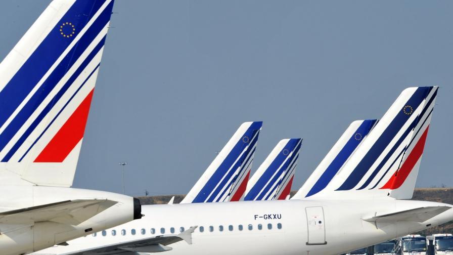 """Стачка анулира половината полети на """"Ер Франс"""""""