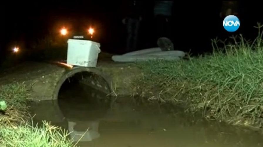 Затлачени шахти и лош ремонт наводняват село при всеки дъжд