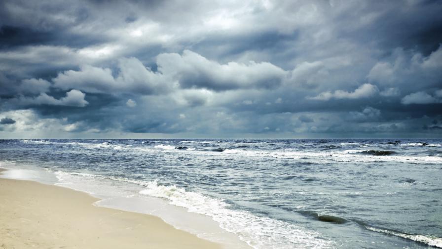 САЩ: Гръмотевична буря на плажа взе жертва
