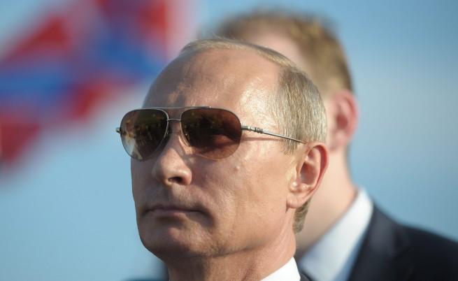Владимир Путин на обиколка из анексирания Крим