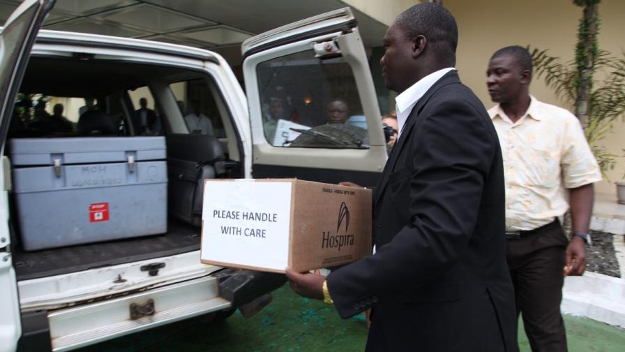 Новото лекарство за ебола поражда етични дилеми