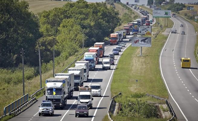 Киев ще изпрати собствен конвой за Източна Украйна