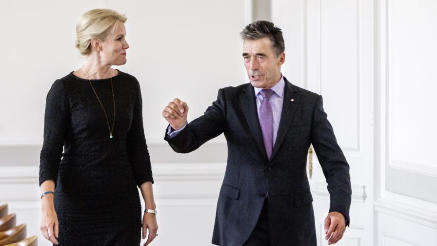 Датският министър председател Хеле Торнинг-Шмит и председателят на НАТО Аднрес Фог Расмусен