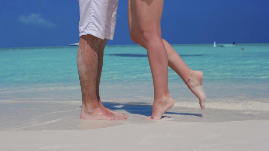 Жените флиртуват като мъжете по време на пътуване