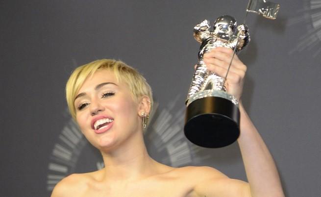 Кой спечели статуетките на MTV тази година?