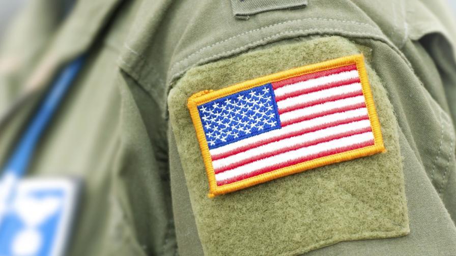 "Военнослужеща откри стрелба във ""Форт Лий"""