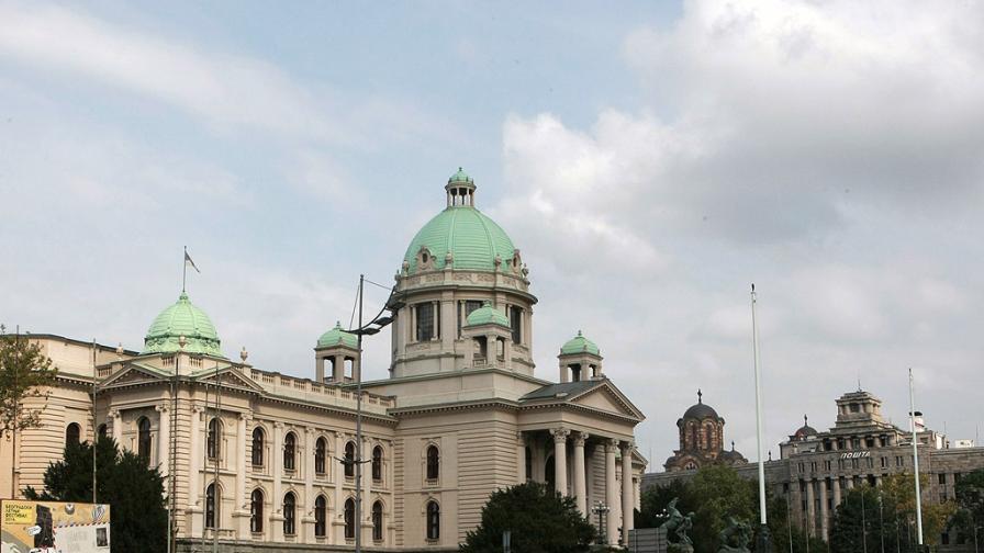Въвеждат извънредно положение в Белград