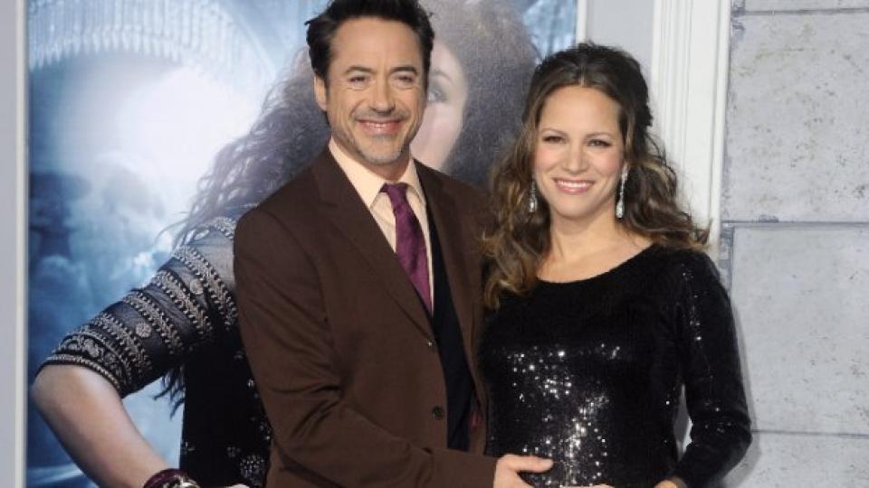 """Щастливите родители на премиерата на филма """"Шерлок Холмс: Игра на сенки"""""""