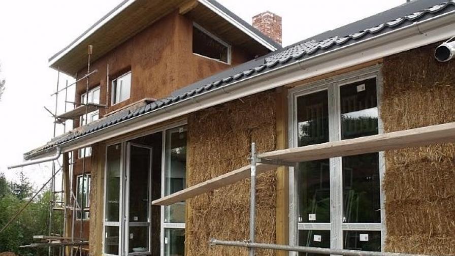 450 бали за строеж на къща от слама в Кладница