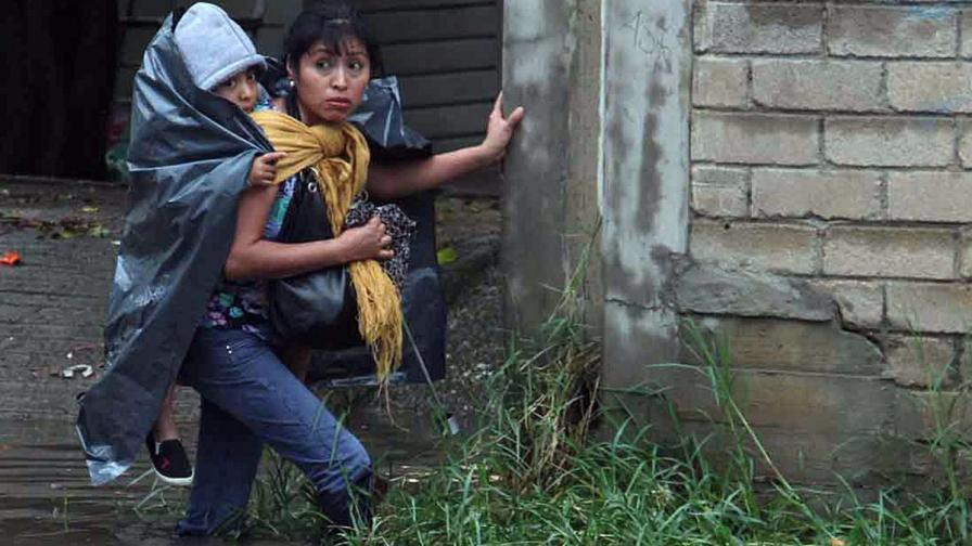 Ураган помита западното крайбрежие на Мексико