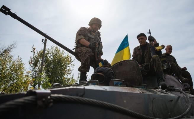 Украински министър: Страни от НАТО ни дават оръжие