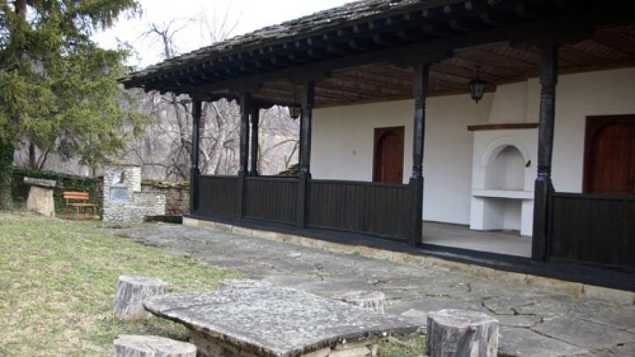 В село Гумощник вече 185 г. съществува килийно училище