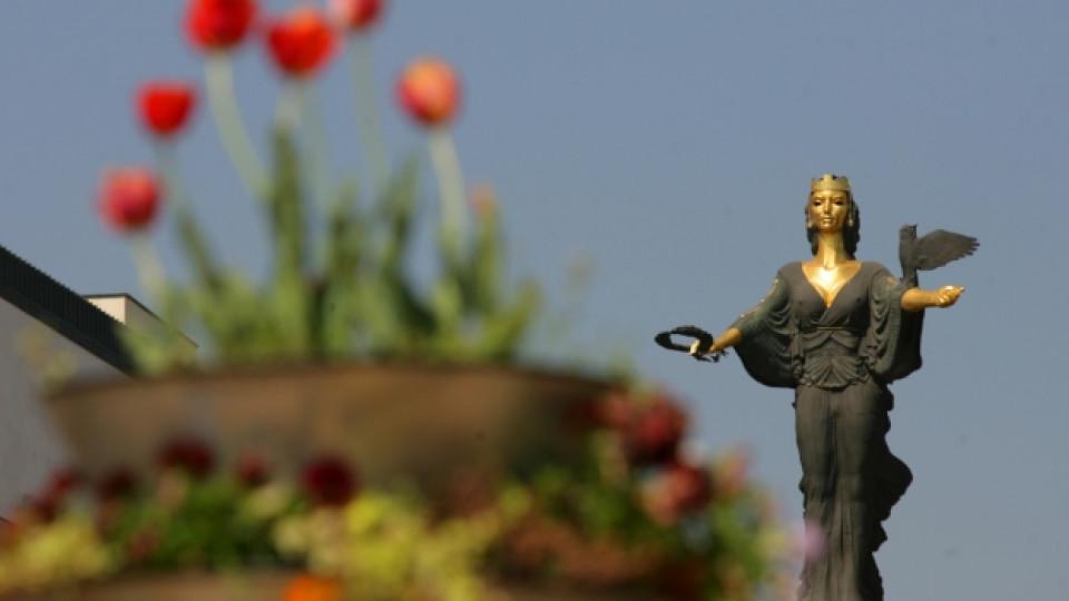 Статуята на Света София в столицата