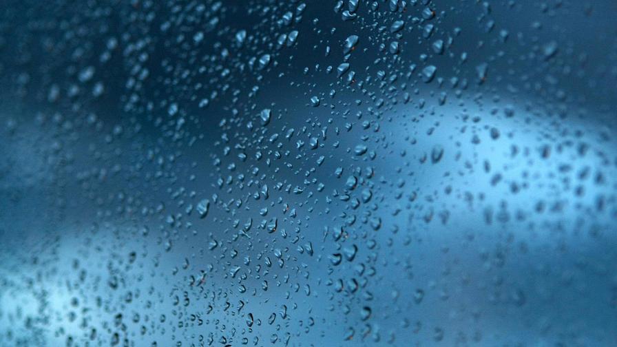 МОСВ: Опасност от наводнения, оранжев код за дъжд и сняг през уикенда