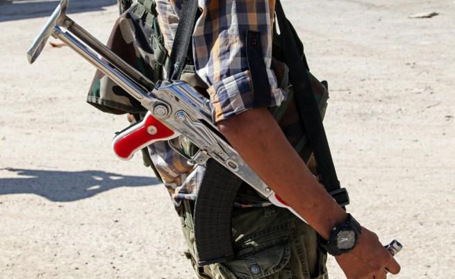 ИД напредва към кюрдския град Кобане