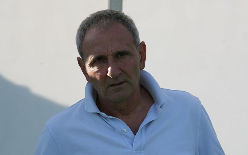 Смелото 3-4-3 на Никола Спасов даде резултат