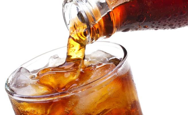Сладки газирани напитки. Нищо не ви носят, освен още и още калории и целулит.