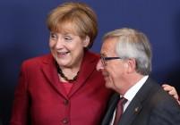 Вижте как Юнкер затвори телефона на Меркел