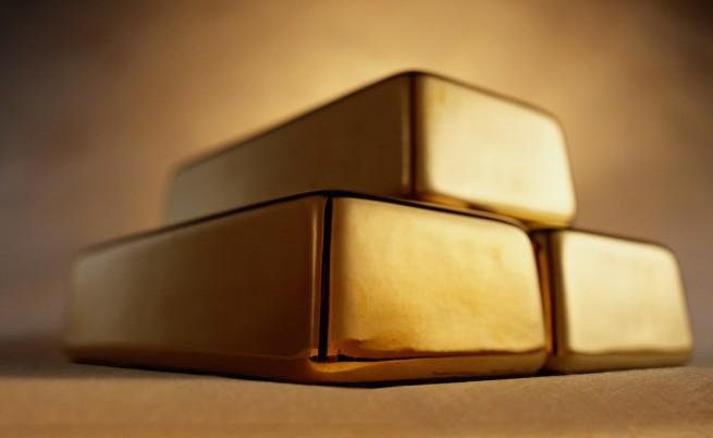 Цената на златото спадна до четиригодишен минимум