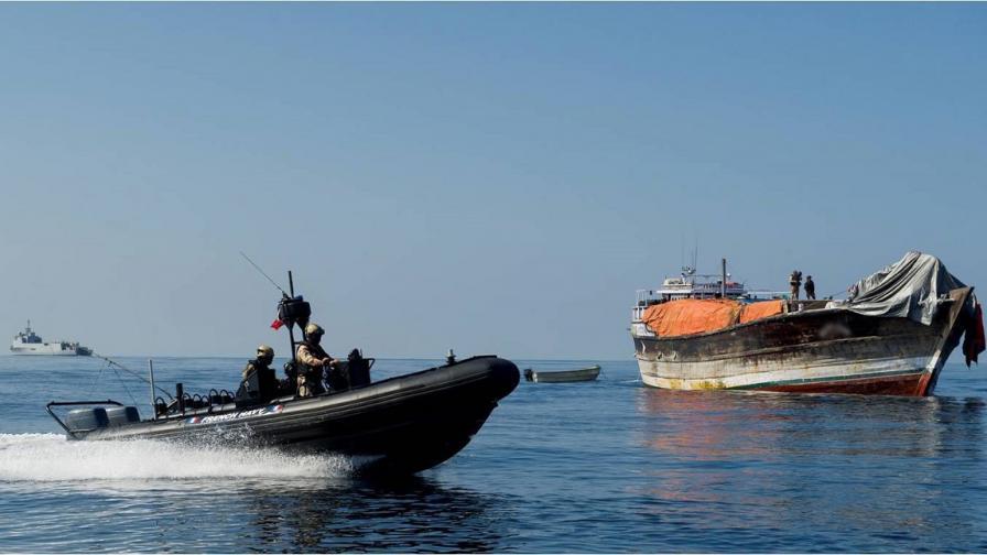 Сомалийски пирати освободиха моряци след 4г. в плен