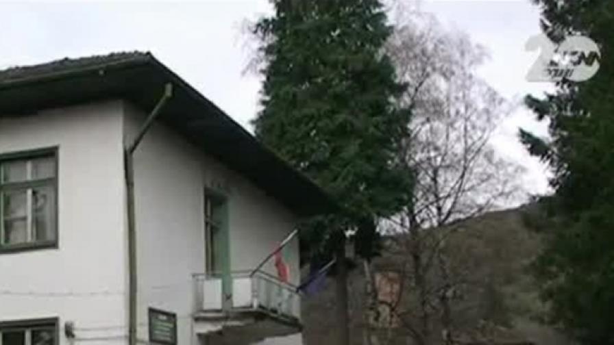 Почина момиченцето, което падна от 2 етаж на социален дом