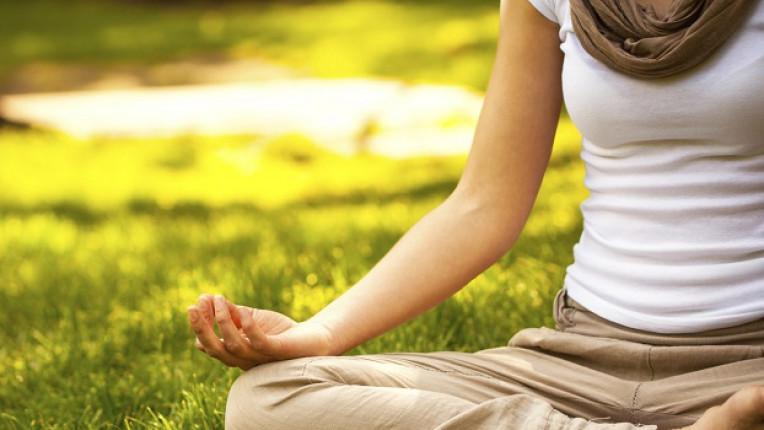 медитация жена почивка