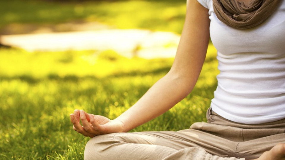 Медитация с цветове
