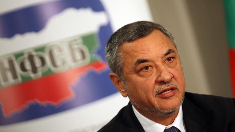 Симеонов: Ако ГЕРБ и БСП се прегърнат, ставаме опозиция