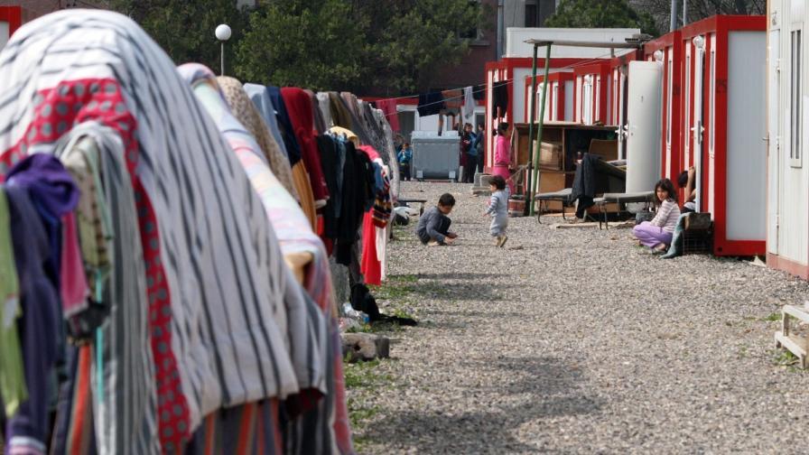 Бежанските центрове преливат