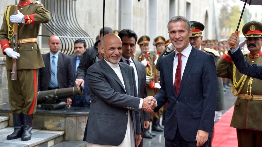 НАТО ще подпомага афганистанските сили след 2015 г.
