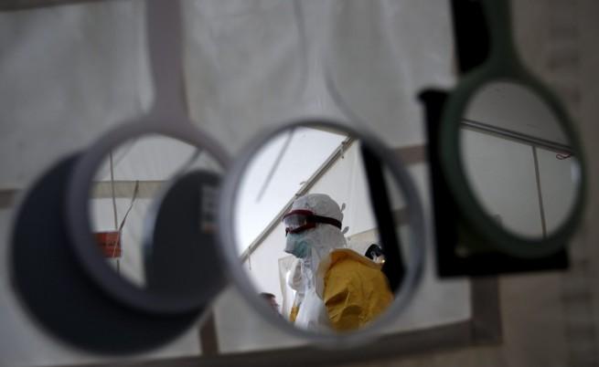 Жертвите на ебола вече са над 6500