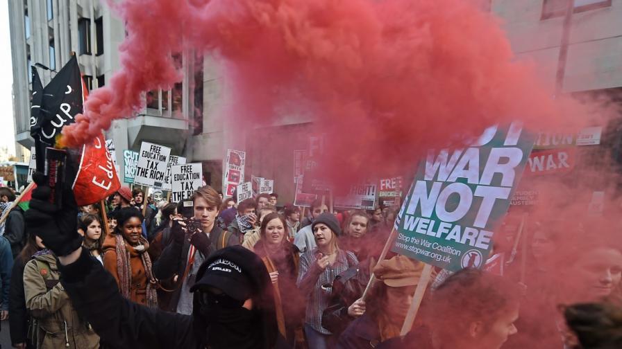 Протестиращите студенти в Лондон