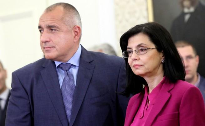 Кунева проговори: Ще се консултира с Борисов, преди да вземе решение