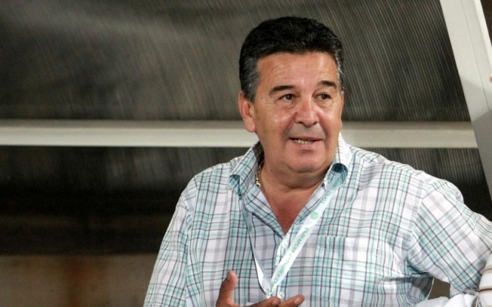Най-добрият ни рефер Атанас Узунов зададе няколко въпроси към реферите