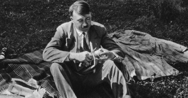 Любопитно Роднина на Хитлер, осъден за педофилия Спорно е дали