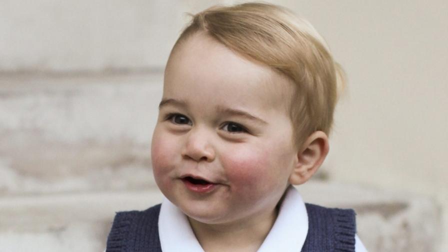 Принц Джордж получил 706 подаръка от чужбина