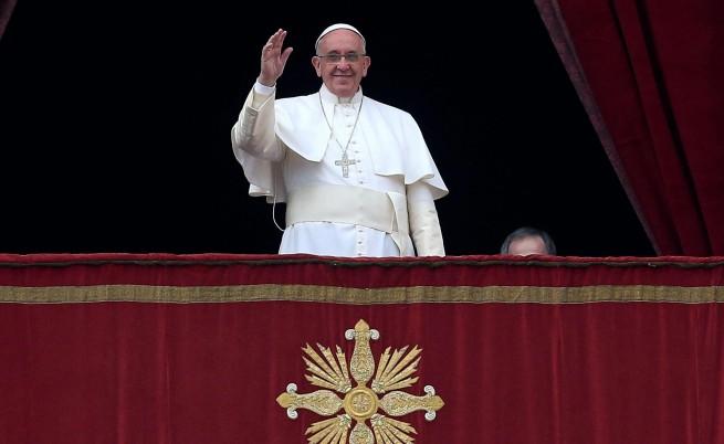 Папата осъди