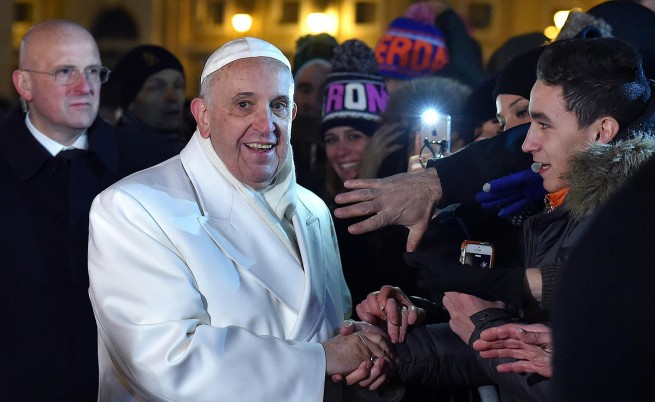 Животът е мимолетен, припомни папата в молитва за Нова година